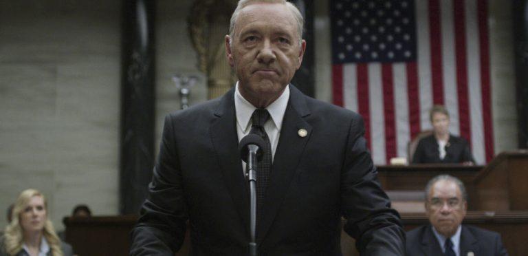 """Netflix pone fin a """"House of Cards"""" tras escándalo de Kevin Spacey"""