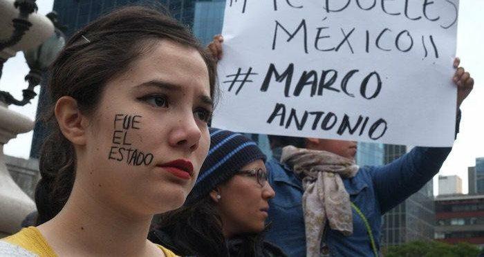 Explosión de rabia y poesía por Marco Antonio Sánchez