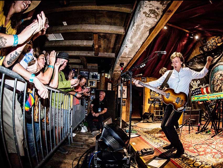 Paul McCartney realiza concierto secreto en La Caverna
