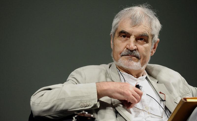 "Serge Latouche: ""La gente feliz no suele consumir"""