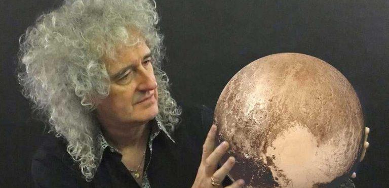 Brian May después de 36 años entregó tesis doctoral sobre el polvo estelar