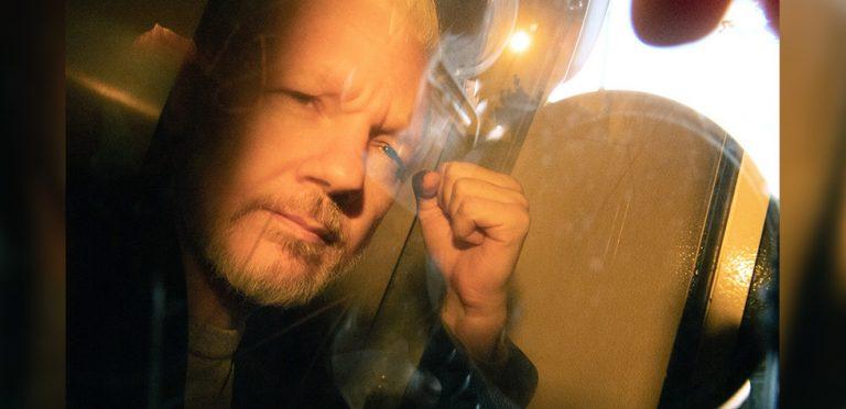 Assange muestra signos de tortura psicológica