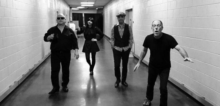 Los Pixies comparten adelanto de nueva música
