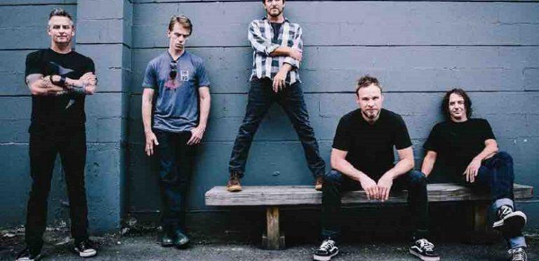 Pearl Jam lanza canción que solo la puedes escuchar si apuntas tu celular a la luna