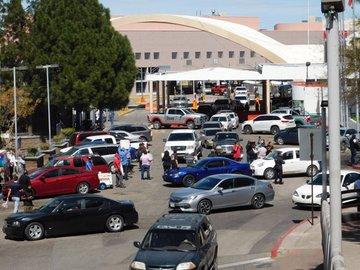 Mexicanos bloquean frontera para que no entren estadounidenses contagiados por el Covid-19