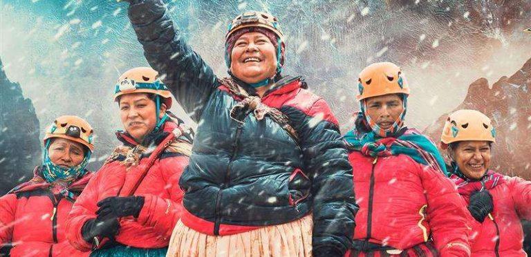 la-valenta-de-cinco-bolivianas-no-deja-de-sorprender-al-mundo-en_1018605307_1140x520