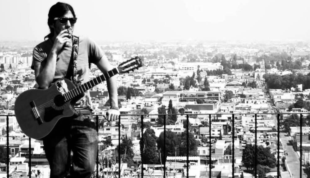 Bariño presenta nuevo video de su canción Besando la almohada